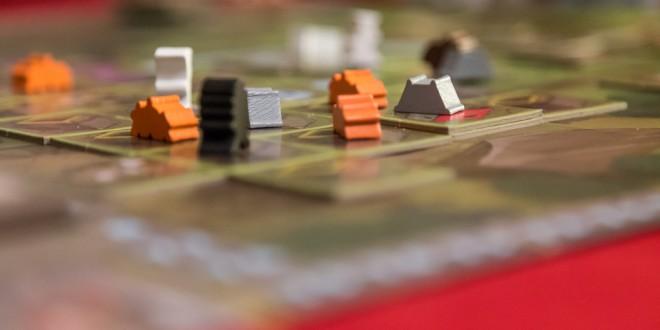 Hoyuk – дълбока семейна стратегия