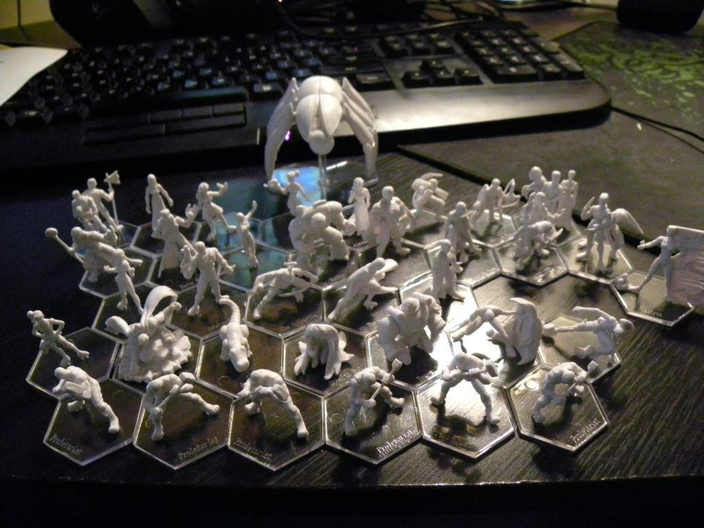 Фигурките. Източник на снимката: boardgamegeek.com