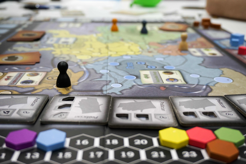 I, Spy – страхотна шпионска игра!