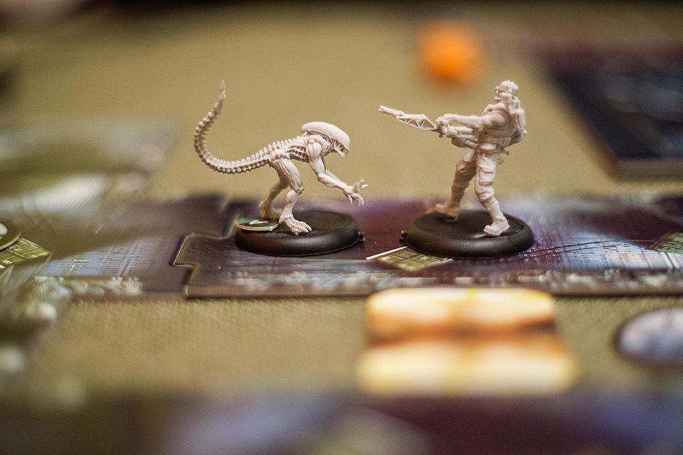 Alien vs Predator: The Hunt Begins – Най-после!