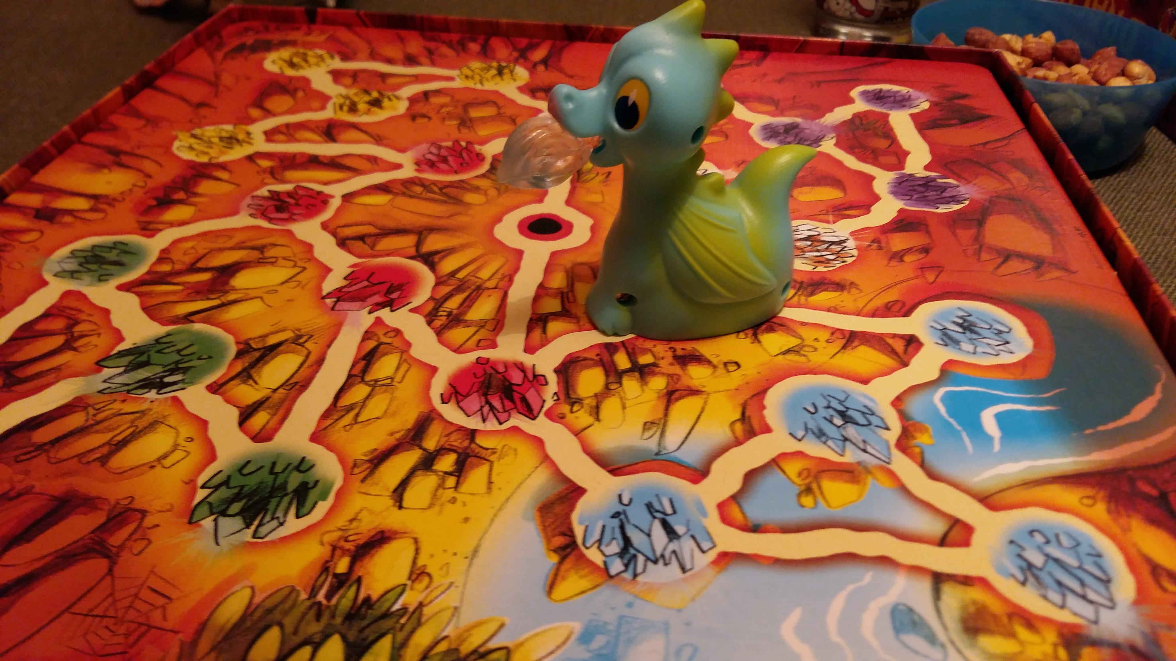 The Mysterious Dragon's Cave – детска игра със светещо драконче!
