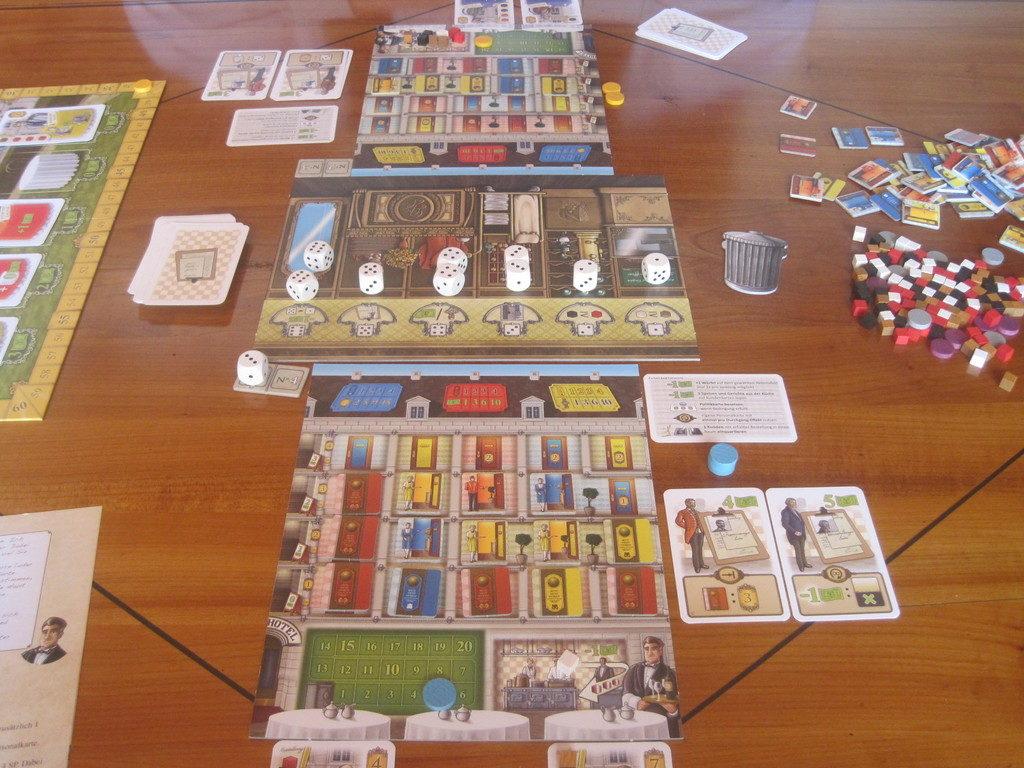 Grand Austria Hotel - Още една игра с драфт на зарове която очаквам да играя