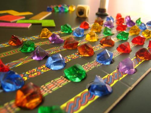 Убонго - Събиране на кристали чрез изпълняване на тетрис пъзели за време