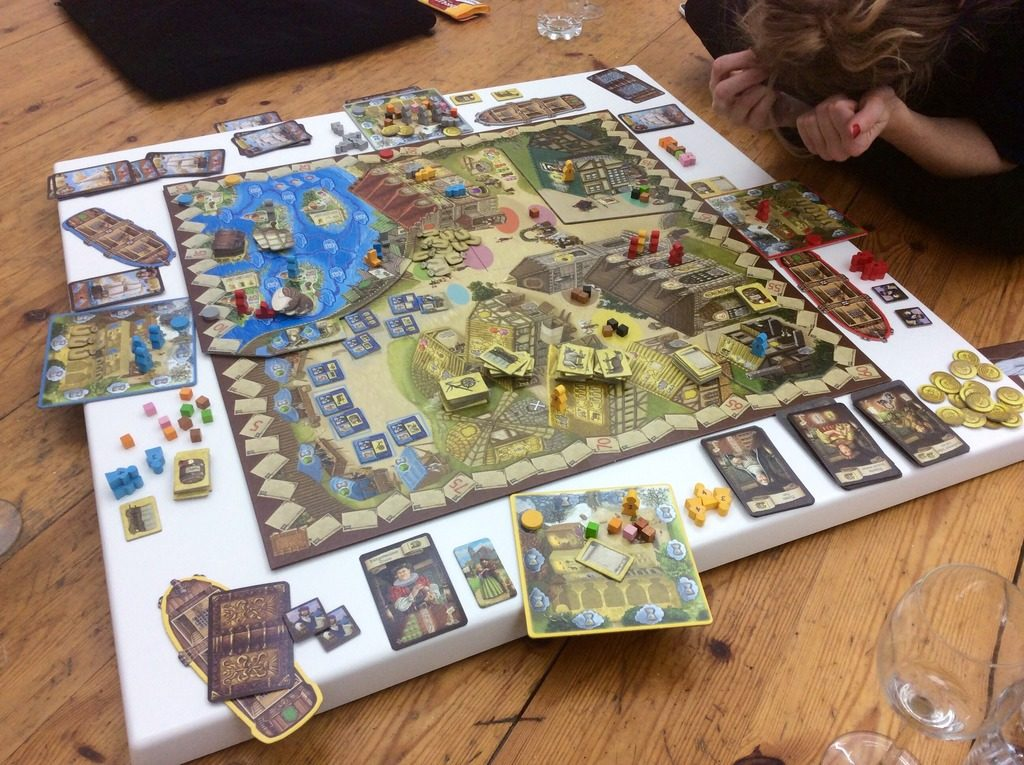 Villages с двете си разширения от една приятна игра за земеделство се превръща в дебело евро чудовище