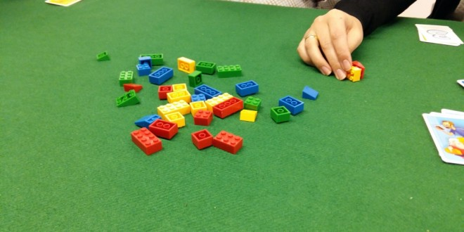 Brick Party – Отборна игра с детски конструктор