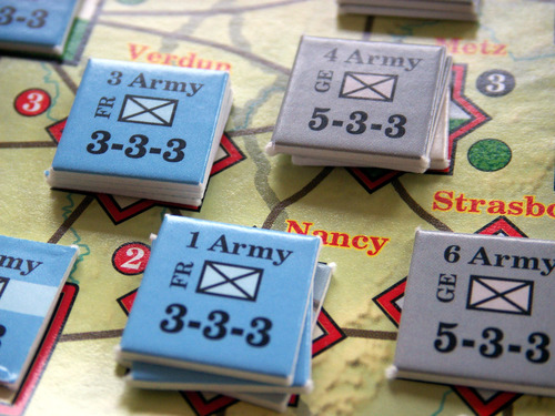 Paths of Glory – епична военна игра за двама