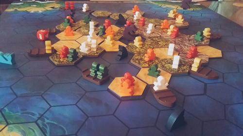 Survive: Escape from Atlantis –  Забавен хаос от удавници, акули и морски чудовища